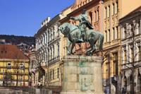 ハンガリー セーチェニ広場 フニャディ・ヤーノシュの騎馬像