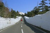 福島県 残雪の磐梯吾妻スカイライン