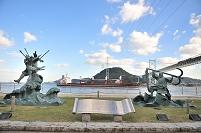 山口県 下関市 壇ノ浦古戦場跡 源義経と平知盛の像と関門橋