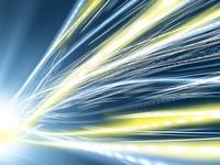 光芒からしなやかに広がるデータ光線群