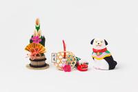 小幡土人形座り犬と正月飾り