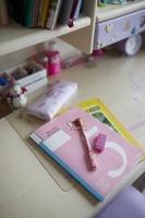 学習机に置かれた文房具