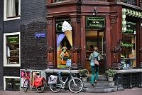 オランダ アムステルダムの街角の店