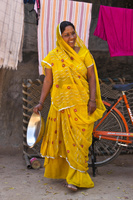 サリーを着たインド人女性