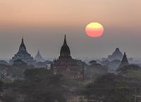 ミャンマー バガン遺跡 朝焼け