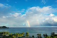 グアム タモン湾にかかる虹