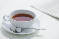 紅茶と新聞