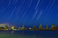 和歌山県 橋杭岩と星の流れ