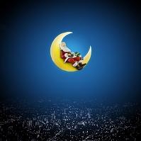 月に座るサンタクロース