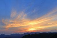 岐阜県 双六岳小屋からの朝焼け雲