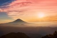 静岡県 富士山と朝日