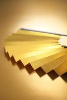 金色の扇子