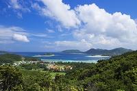 沖縄県 座間味島の林道からの眺め 安慶名敷島と阿嘉島と嘉比島