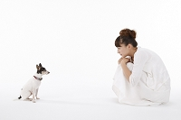 日本人女性と犬