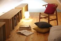 本棚のあるロフト