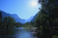 アメリカ合衆国 マーセド川と太陽