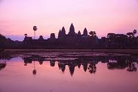 カンボジア 早朝のアンコールワット