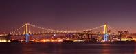 東京都 晴海埠頭から見たレインボーブリッジの夜景パノラマ