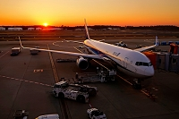 千葉県 夕方の成田空港