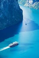 ノルウェー ガイランゲルフィヨルド フッティルーテンの船旅