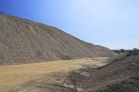 建材用の砂利山