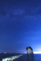 石川県 見附島と天の川