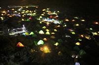 長野県 涸沢カールテント場の野営の灯り