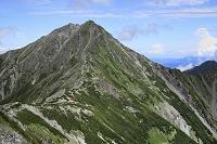 静岡県と山梨県の県境 間ノ岳から望む北岳