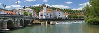 ポルトガル ナバオン川とトマールの街並み