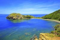 東京都 小笠原諸島 父島 ジョンビーチへ続く道から望むブタ海岸...