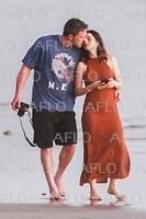 ベン・アフレック&アナ・デ・アルマスがビーチでデート