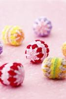 編みぐるみのカラフルボール