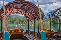スロベニア ブレッド ブレッド湖と手漕ぎボート