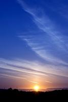茜の空と沈む夕日