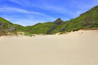 東京都 小笠原諸島 父島 南島の砂浜と青空