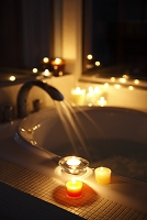 キャンドル灯るバスルーム