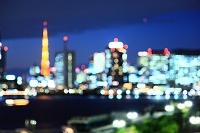 東京都 晴海ふ頭から湾岸ビル群 夕焼 ピントボカシ