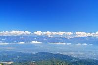 長野県 飯縄山山頂からの雲と山陵