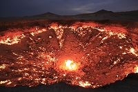 トルクメニスタン 地獄の門(天然ガスの洞窟)