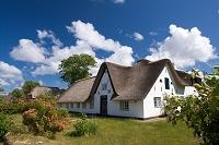 ドイツ ジルト カイトゥム             藁葺き屋根の家