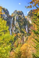 北海道 銀河の滝と流星の滝の紅葉
