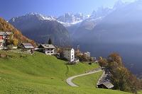 スイス 紅葉のソーリオ村