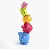 重なる豚の貯金箱