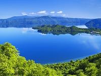 秋田県 甲岳台より十和田湖