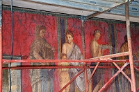 イタリア ポンペイの遺跡 秘儀荘(修復中)