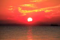 千葉県 東京湾に沈む夕日