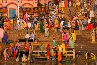 インド ベナレス ガンジス川 沐浴場