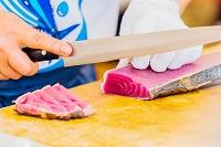 高知県 中土佐町 かつお祭 藁焼き鰹のタタキ 切り身を作る