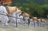 扇祭り(那智の火祭り)大松明と担ぎ手