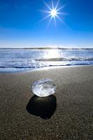 北海道 ジュエリーアイス(海岸に打ち上げられた氷)